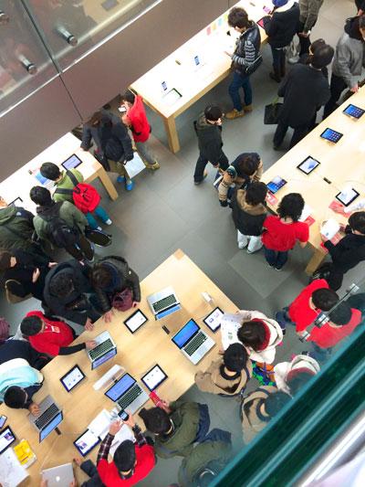 お正月のApple Storeはすごく混んでいる