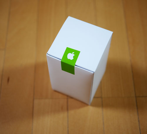 Apple Store表参道Tシャツの箱