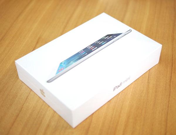 日本のApple Storeの公式に販売されてるSIMフリーiPad mini Retina セルラー版のパッケージ