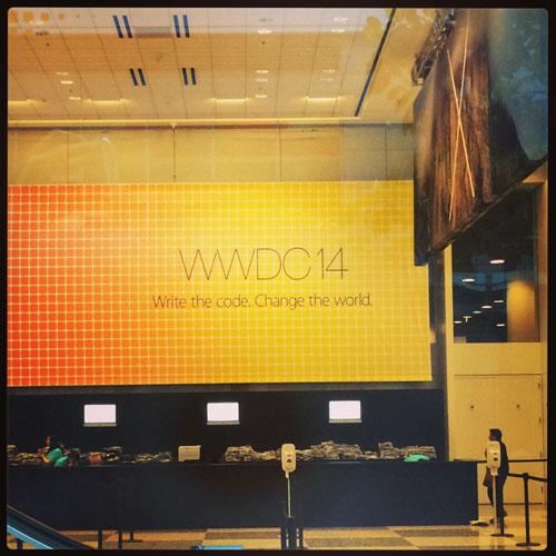 WWDCのキーノートが始まる前のモスコーンウェスト入口付近