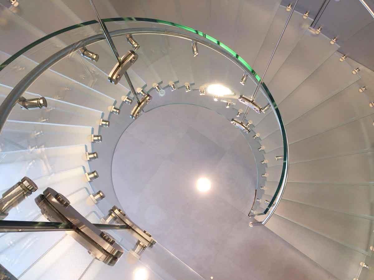 Apple Store心斎橋 階段