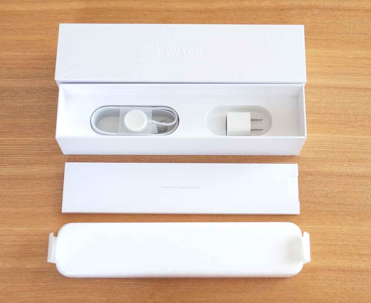 Apple Watchのパッケージ中身