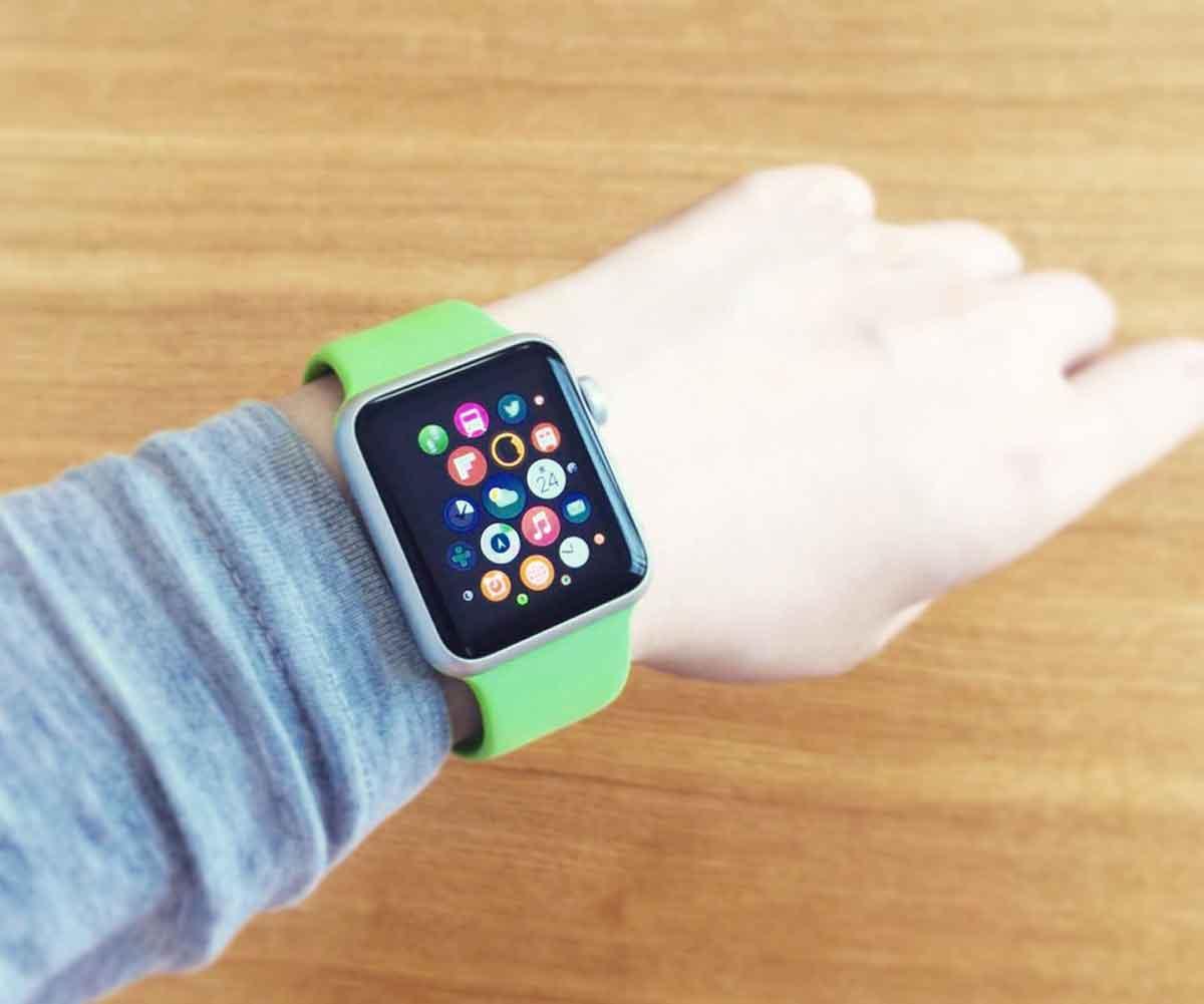 Apple Watch 38mmを女性が着用してみたところ