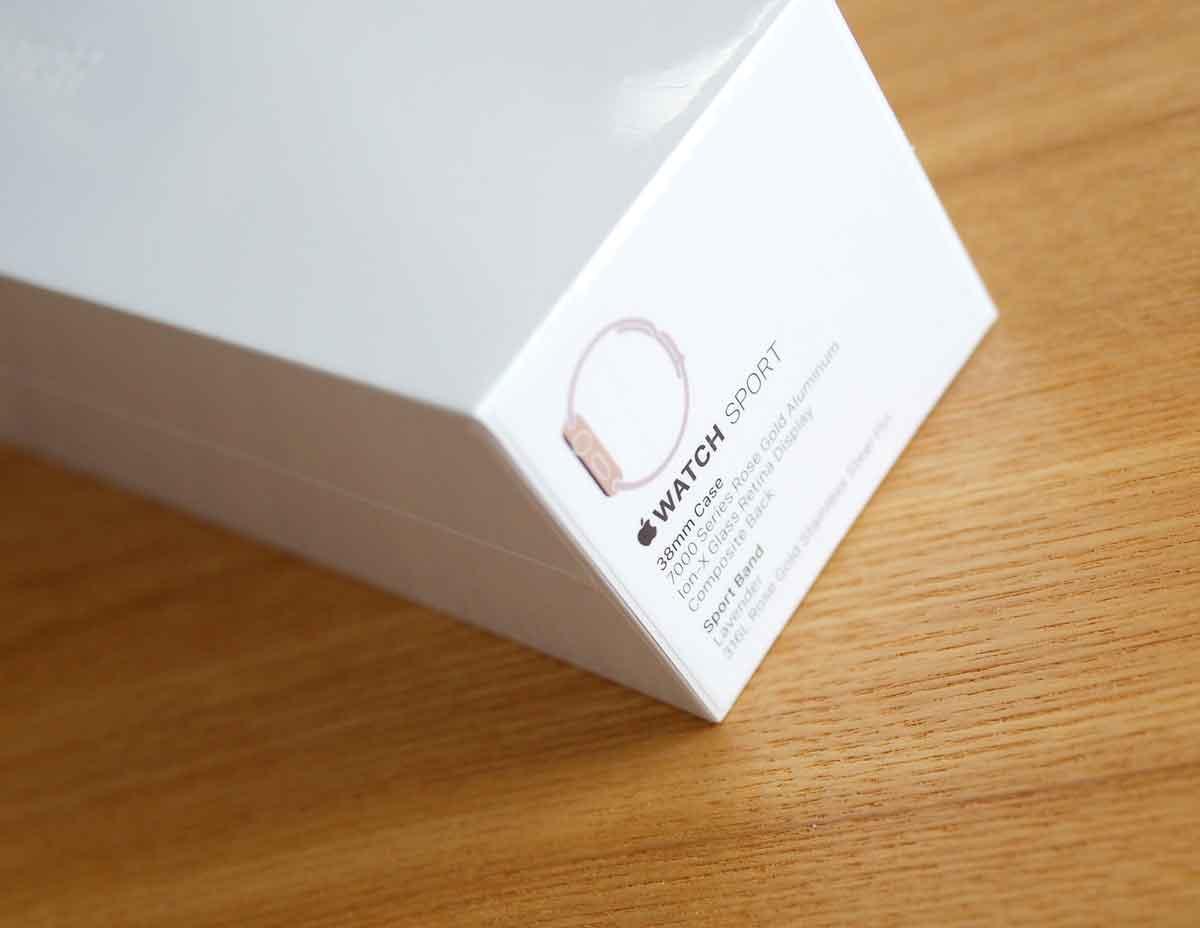 Apple Watch SPORT ローズゴールドケースのパッケージ