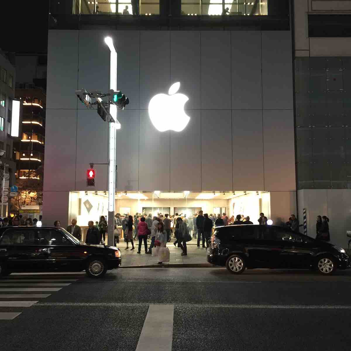 iPad Pro発売日のApple Store銀座