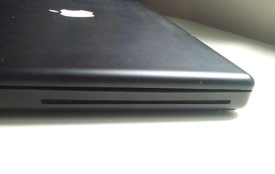 MacBook黒光学ドライブ入り口
