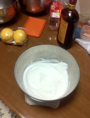 卵白を泡立てる/マシュマロの作り方