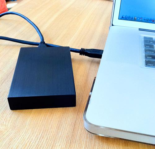 MacBook Pro 17インチにLaCie rikiki USB3.0を繋げる