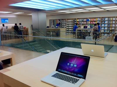 Apple Store名古屋栄 2Fの様子