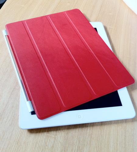 私のiPad2と風呂蓋(スマートカバー)赤