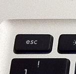 MacBook Pro(mid 2010)のescキー