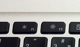 MacBook Pro(mid 2010)のF1/F2キー