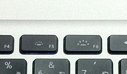 MacBook Pro(mid 2010)のF5/F6キー