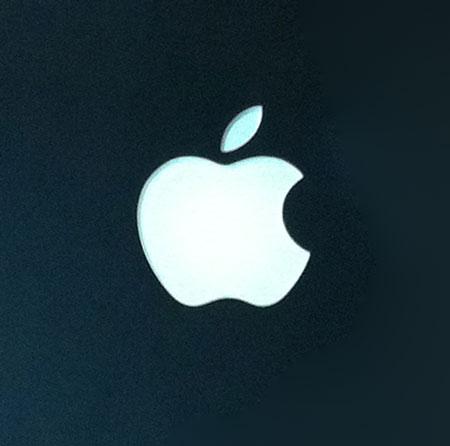 MacBook黒 黒リンゴアップ