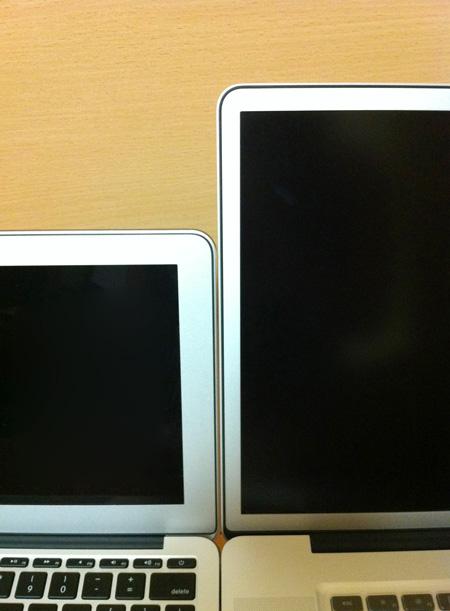 MacBook Air 11インチとMacBook Pro 17インチのベゼルの幅の違い