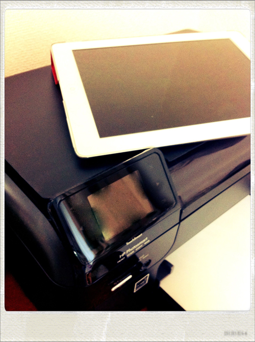 AirPrint対応のHP Photosmart Wireless B110aとiPad2