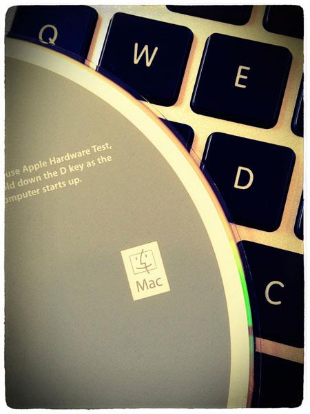 Apple Hardware Test を呼び出すのに必要なのはDキー。(インストールディスク)