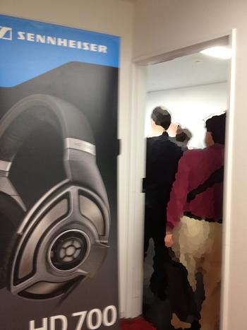 SENNHEISER、新作ヘッドフォンの試聴並びすぎ。