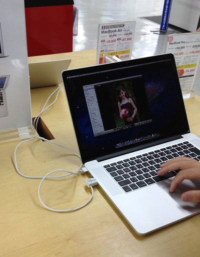 ビックカメラのRetina MacBook Proデモ機