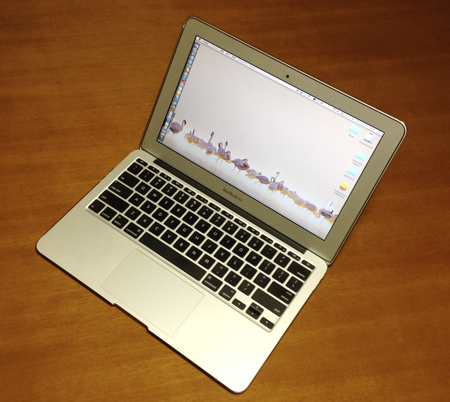 OS X v10.8 Mountain Lionを入れるために準備したモノ…MacBook Air(Mid 2011)