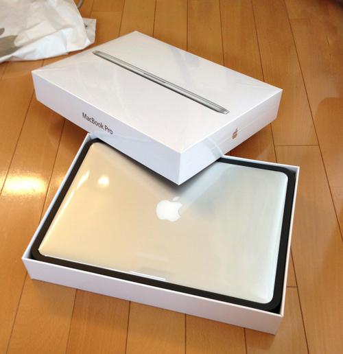 発売日に13インチ Retina MacBook Proをゲットしてほくほく(。´▽`)