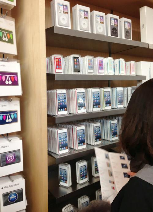 2013年1月2日 Apple Store初売り店内風景3